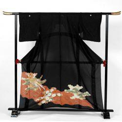 st-10 絽留袖 菊・松と扇面波に尾長鳥