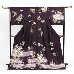 H-110 濃い紫地に花模様 ゆったりサイズ